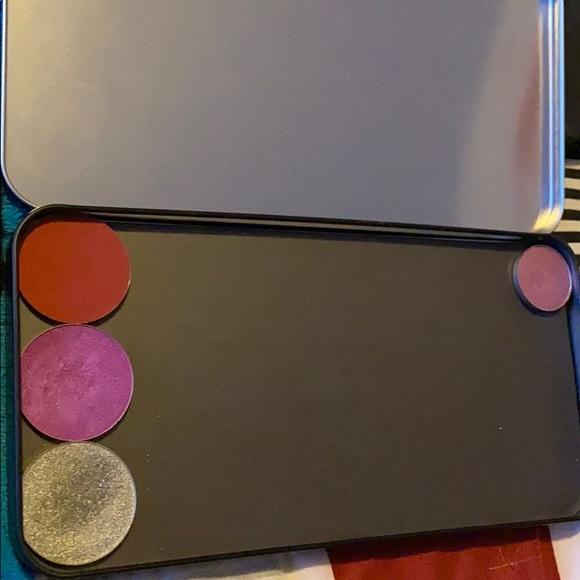 Make Up Forever Empty Eyeshadow palette